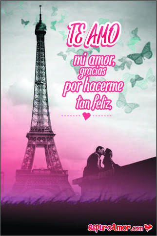 Un beso muy intenso frente a la torre de París